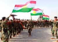 Koerden dansen met vlag