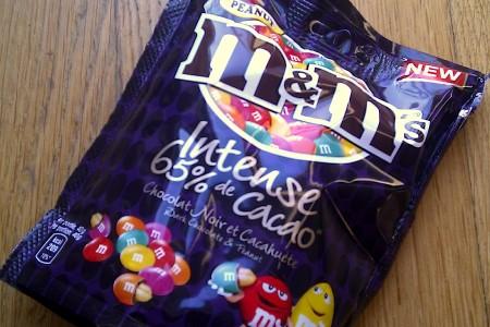 Verpakking van de nieuwe M&M's Intense