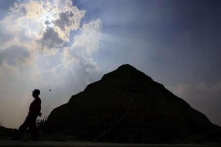 De piramide van Sesheshet te Saqqara in Egypte