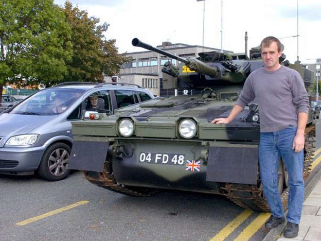 Stephen Ellison tank